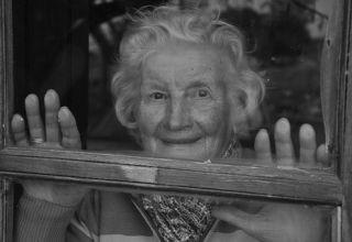 grandmother-952032__340